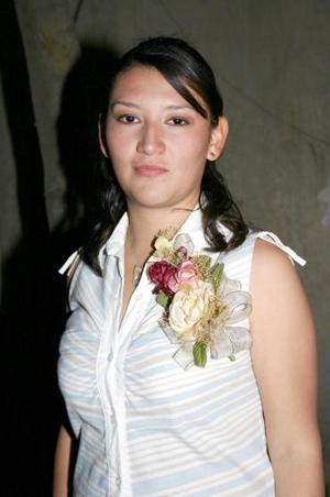 Alejandra Garcia Arevalo, captado en el festejo pre nupcial que le ofrecieron recientemente.