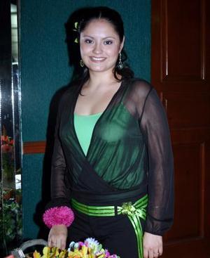 Elsa Contreras Bustamante en su despedida de soltera.
