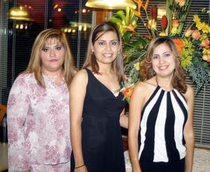 Mayela Hurtado Soto disfrutó de una despedida de soltera.