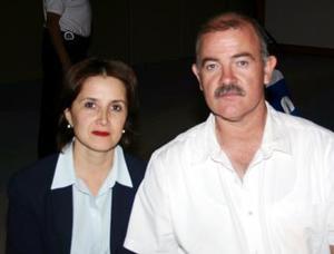 María Teresa  de Martínez y Fernando Martínez.