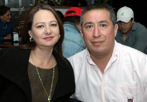 Roberto Moreno y Pilar de Moreno