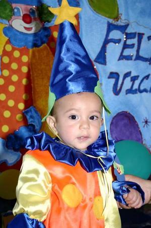 El pequeño Víctor Yahir de Santiago Martínez, captado en su festejo.