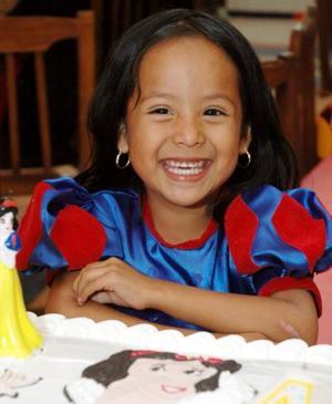 Pamela Janeth de los Santos Hernández en su festejo de cumpleaños.