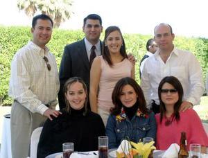 Juan José Martínez, Mauricio Villalobos, Marcela de Villalobos, César de la Garza, Ana Sofía  de De la Garza, Lucero de Cayarga y Lorena de Martínez.