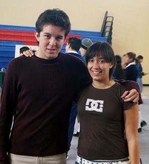 Manolo Velazco y Stephanie de la O.