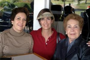 Cristina Sirgo de Fernández, Cristina Fernández y Magdalena Ortiz Sada.