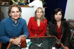 Lorena de Treviño, Gabriela Sologaistoa y Tere Hernández.