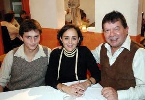 Javier Gurza Nahle, María Eva y Leonardo Navarro.
