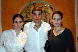-Linda, Mariano y Ana Laura