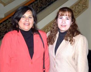 Martha Simental y María Valle