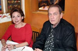 Jenny de Alvarado y Tomás de Alvarado.