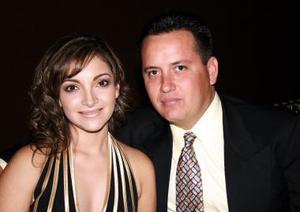 <u><i> 18 de noviembre de 2004</u></i><p> Manuel y Martha de Castaños