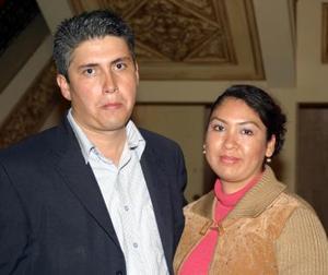 Salomón Martínez y Mayela González de Martínez.