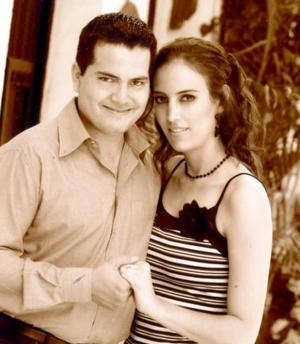 Carlos Fahur Cervantes y Alma Huguette de Alba Castilla