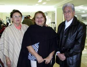 <u><i> 19 de noviembre de 2004</u></i><p> Max Novelo, Ada de Arguüelles y Conchita de Cortez.