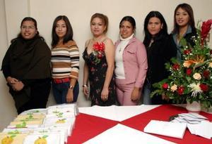 Claudia Suasana Chacín Ríos festejó su próximo enlace matrimonial con una despedida de soltera a la que asistieron amigas y familiares