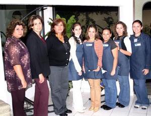 <u><i> 19 de noviembre de 2004</u></i><p> Integrantes del Club Amapola Tibetana