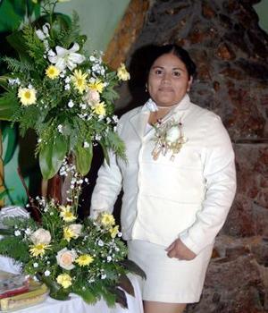 Berenice Morán Muñoz contraerá nupcias con Santos  Salvador Hernández Rentería