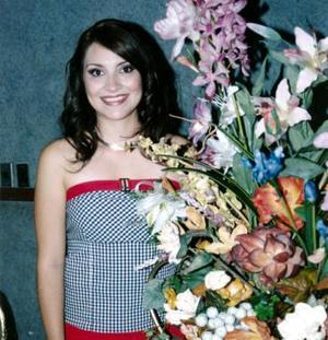 <u><i> 21 de noviembre de 2004</u></i><p>  Silvia Denice Leal Romo fue festejada con una despedida de soltera por su cercano enlace nupcial