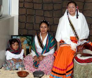 Pamela Ramírez, Griselda Rodríguez y Mayela Facela.