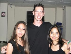 Janett Robles, Alejandro Lcomte y Karla Robles