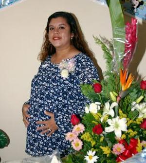 María de los Ángeles Salazar López espera su bebé