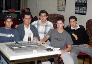 Héctor Guerrero, Jorge Gómez, Javier Tovalín, Raúl Chávez y Alejandro Arias