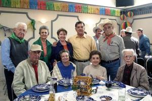 Francisco Ledesma y Sra., Seferino Lugo, Miguel Ruiz y Sra., Emilio de la Garza y Sra., Aristeo Cantú y Sra.