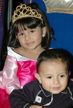 <u><i> 20 de noviembre de 2004</u></i><p> Andrea y Roberto Ramírez Alcalá en su fiesta de cumpleaños