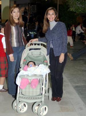 Sandra Palacios, Jenny Herrera y la niña María Fernanda Marín