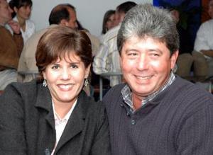 <u><i> 20 de noviembre de 2004</u></i><p> Guillermo y Lorena Saldaña