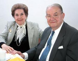 Mirita de Treviño y José Treviño