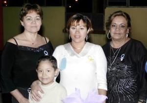 Paty Parra Mata espera el nacimiento de su segundo bebé, motivo por el cual Lucero y Sofía Mata le organizaron una fiesta