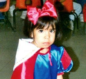 <u><i> 24  de noviembre de 2004</u></i><p> Berenice Cueto  Herrera celebró su tercer cumpleaños con un convivio infantil.