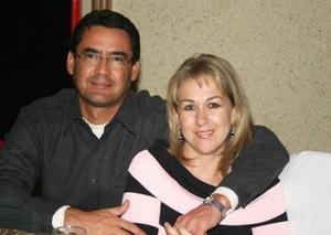 Francisco Cruz y Nagaly Gilio de Cruz.