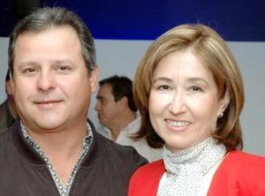 <u><i> 24 de noviembre de 2004</u></i><p> Gerardo y Martha Castrellón