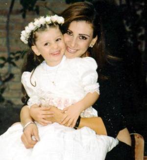 Astrid Casale Frausto con su pequeña Nayla Camila Casale Frausto