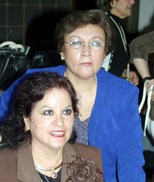 <u><i> 26 de noviembre de 2004</u></i><p>  Monis de Bitar y Ángeles de Balcázar
