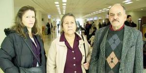 Antonio y Dina Morales viajaron a Tijuana.