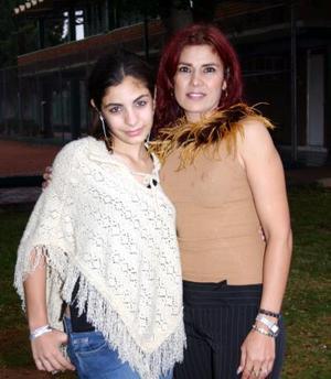Karime Alejandra Babin Abdo junto a su mamá Karime Abdo Prieto el día de su cumpleaños