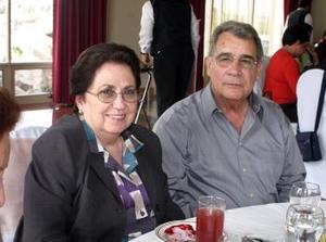 Alfredo González y Frida de González