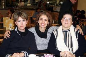 Conchita Valdez, Adriana Núñez y Silvia Tato