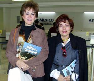 <u><i>27 de noviembre de 2004</u></i><p> Yeye Romo y Lidia Acevedo viajaron con destino a México DF