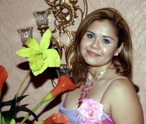 Rosa Elena Domínguez en su despedida de soltera.