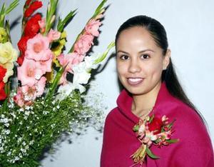 Por su próxima boda con César Alberto de Santiago Tallabas, le organizaron una fiesta de despedida a Irma Paola Ramírez Canales.