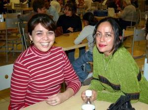 Esperanza Valdez y Ada Carrera.