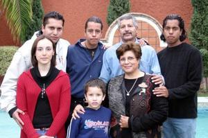 Carlos Carrillo Flores y familia