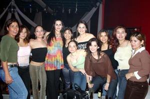 Guadalaupe , Sagrario, Cecy, Azalea, Rosy, Verónica, Mireya, Cecy, Gladys y Ana Laura.