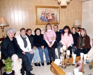 José Ignacio Elósegui celebró su cumpleaños con agradable convivio con sus amigos y familiares.