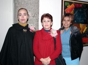 Imelda Ramírez, Alejandro Flores y Julieta Faz